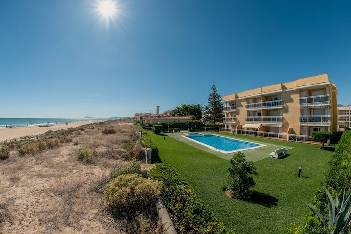 Apartamento en primera linea a pie de playa.