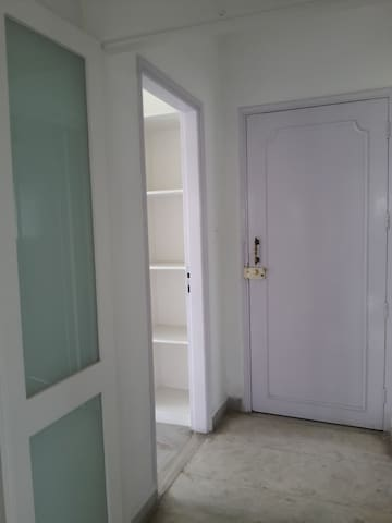 Bright sunny studio apartment - Pune - Apartamento