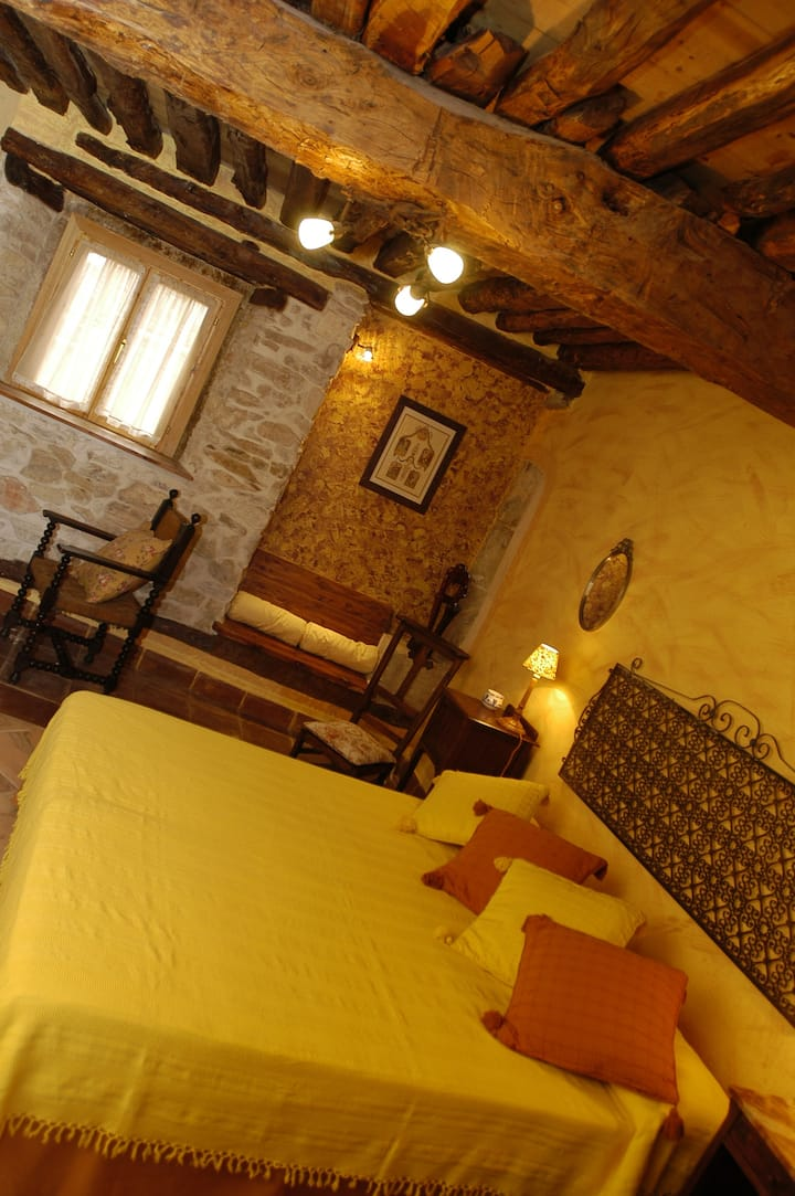 La Posada de Tamajon Guest House Luxury B&B