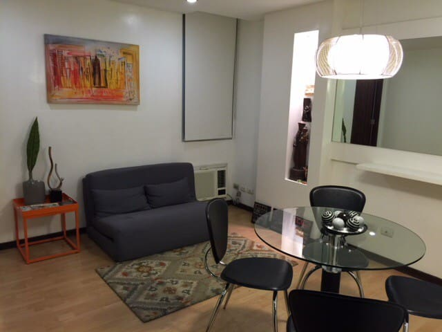 1br BGC, near The Fort Strip& SM Aura