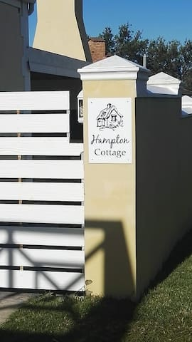 Hampton Cottage, Perfectly located  Holiday Haven!