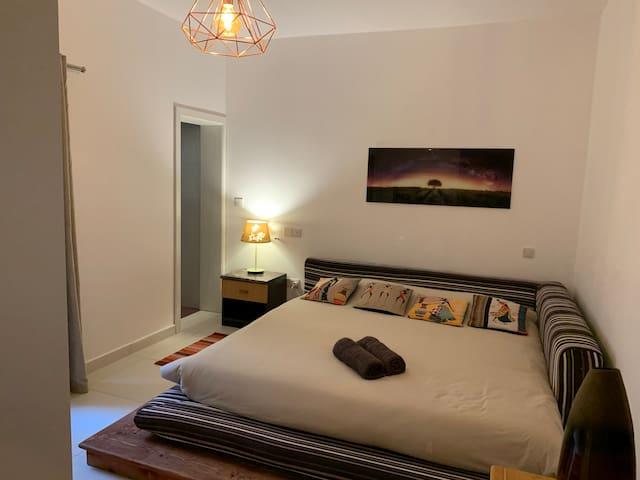 Beautiful room by the Airport Malta 7 minutes walk