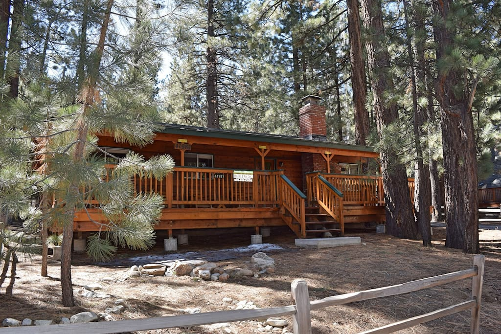 Summit secret walk to snow summit cabins for rent in for Big bear cabins california