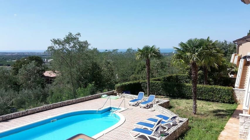 Istria Holiday Home-Villa Adriatic2 - Brnobići