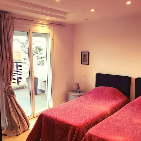 Fully equipped with hills view  - ALGER - Wohnung