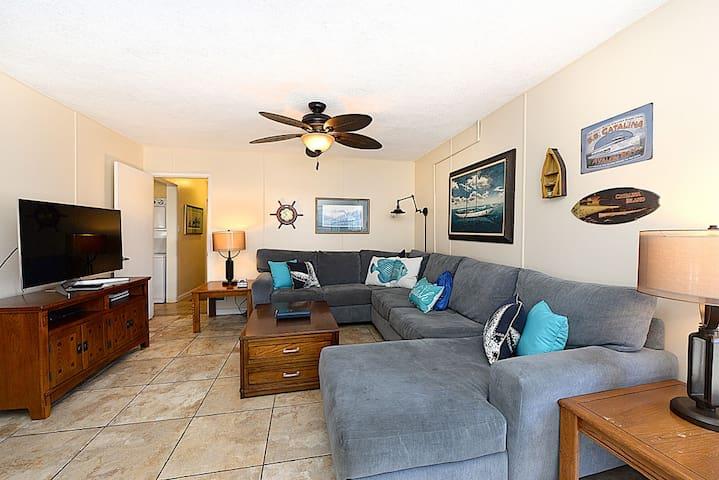 Spacious, Remodeled, Ground Level Duplex, Quiet Street, WIFI - 315 Eucalyptus Lower