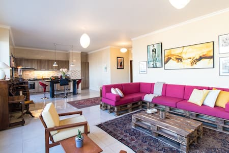 360 Degree View - 2 BR, Spacious, Mar Mikhael!