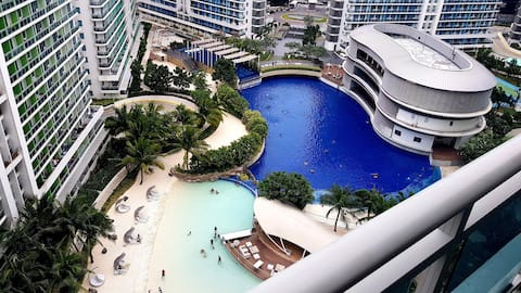 Condo for rent with life changing pool experience