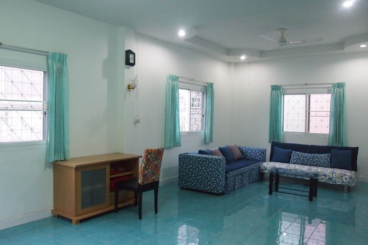2BR Homey near Muay Thai/MMA&Tourist sites