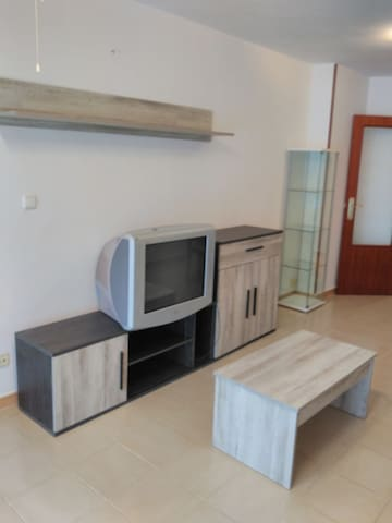 Riverside Family Friendly Apartment for Rent