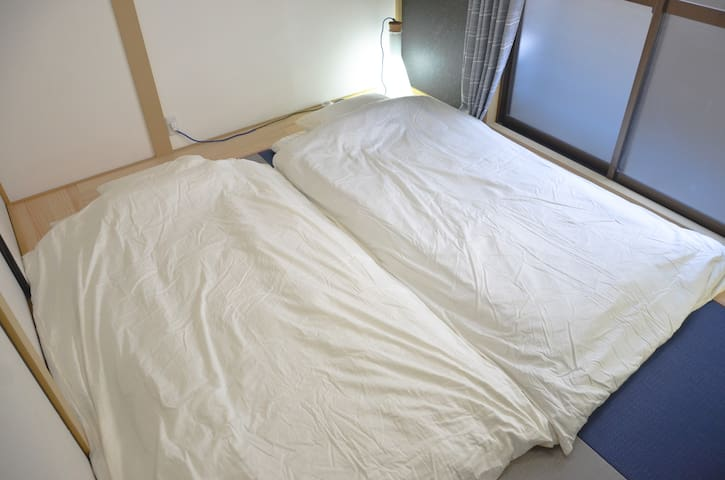 Adding 2 Futon beds in Japanese living room on 2F.