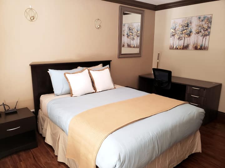 Bedroom Suite in Gold Country-4