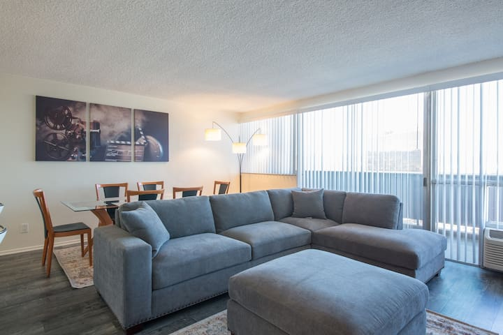 MODERN,COMFY 2BR+2BA CITY VIEW+POOL CLOSE TO UCLA