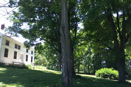 circa 1825 farm house