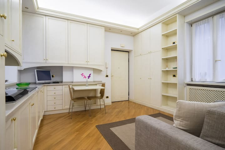 Your Charming Flat in Duomo Area