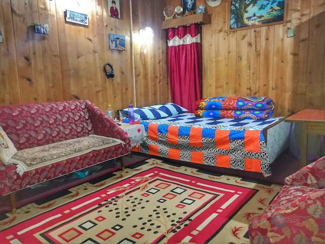 Aaditya Kunj Homestay (An Experience in Itself)