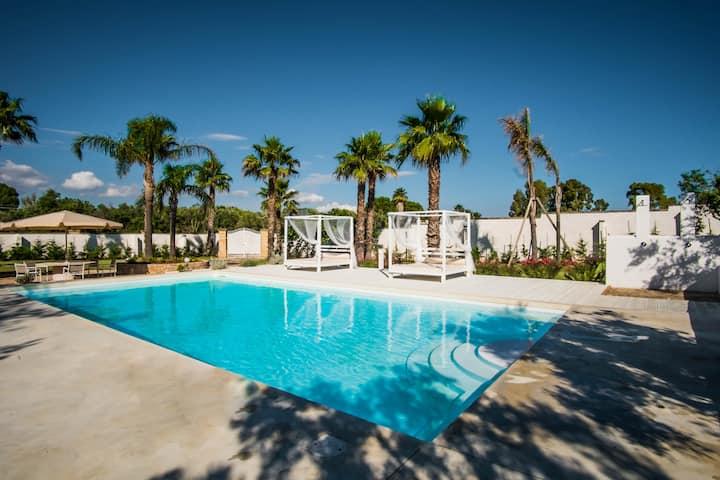 VILLA con piscina nel Salento Giardino TerraNostra