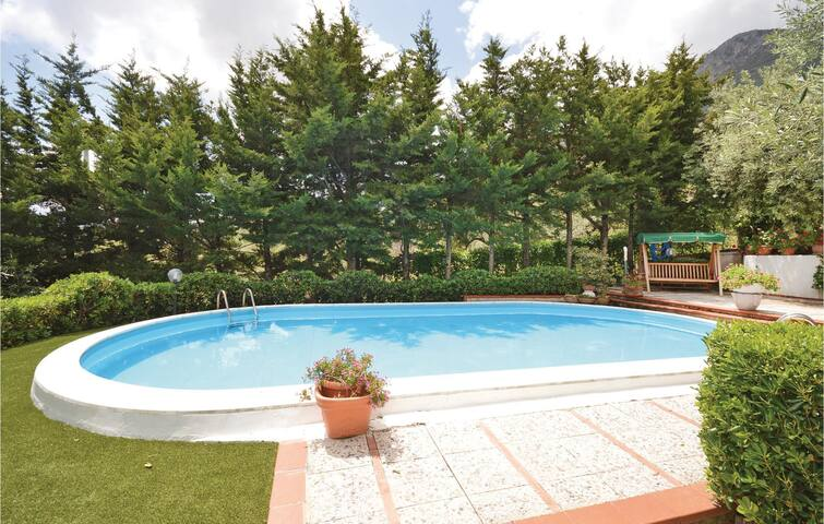 Holiday cottage with 4 bedrooms on 140 m² in Trabia -PA-