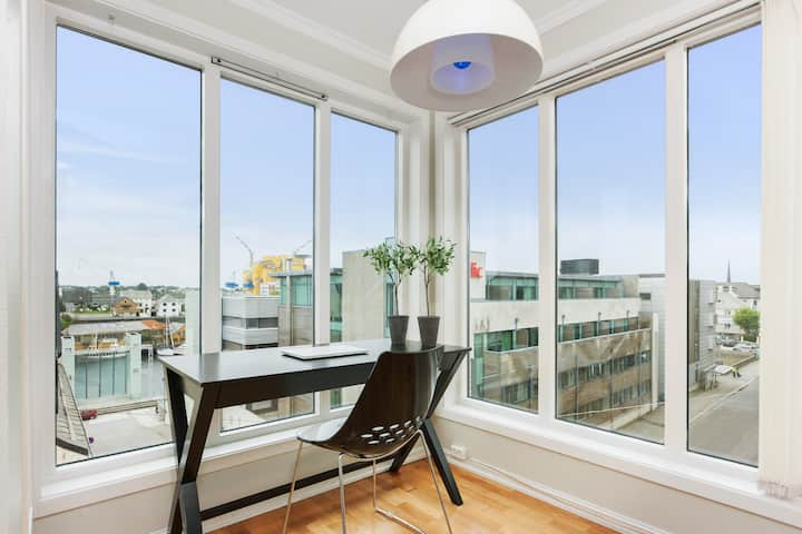 Penthouse with balcony in Haugesund