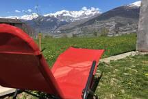 Entspannt die Gemmi bestaunen / détente avec vue sur la Gemmi / relax and enjoy the view to Gemmi