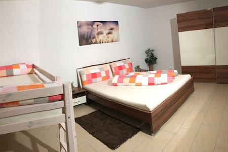 Gemütliche Wohnung - Oetz - Appartement