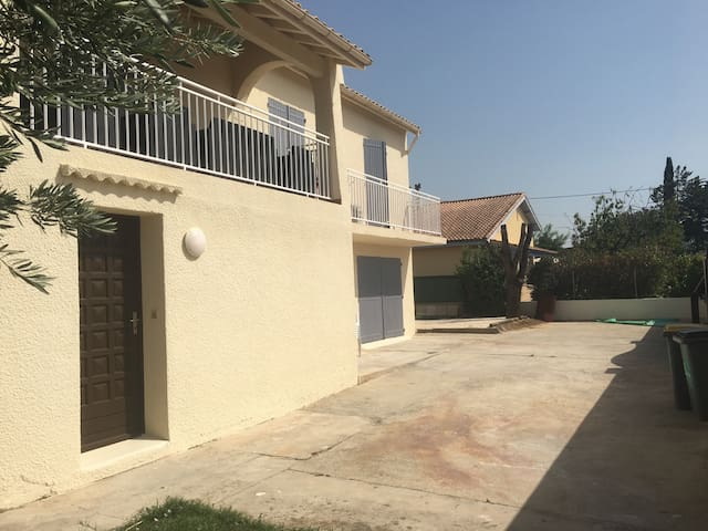 Villa en 2 appartements proche de la mer + Piscine - Pinet - Rumah