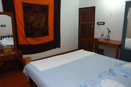 Yoga Homestay Private Room In The Countryside - Vengoor West