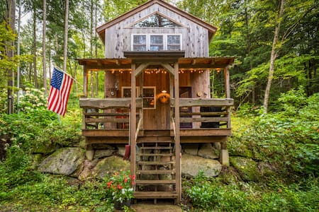 The Owl's Nest - secluded Grafton cabin with bikes