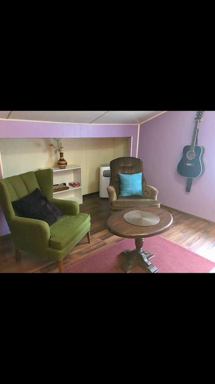 Oak Street Suite