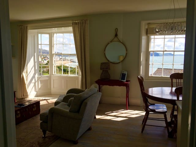Apartment in Seaside Period Home