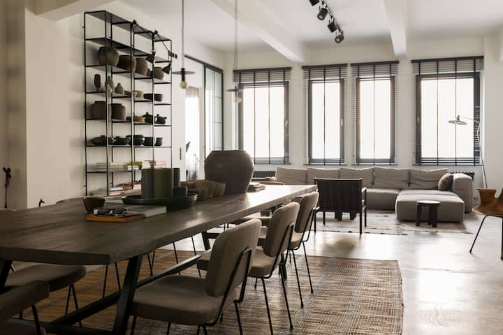 UNIQUELY DESIGNED & SPACIOUS LOFT IN VIENNA