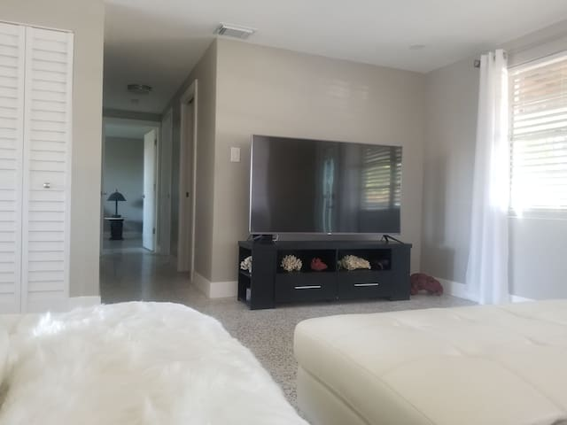 Newly renovated home, close to downtown and beach!