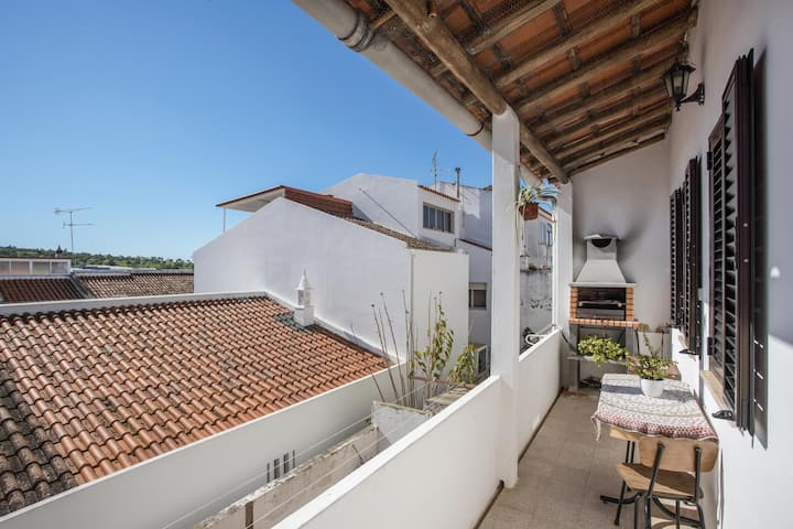 Casa Lia with Balcony, Barbecue & Wi-Fi; Parking available