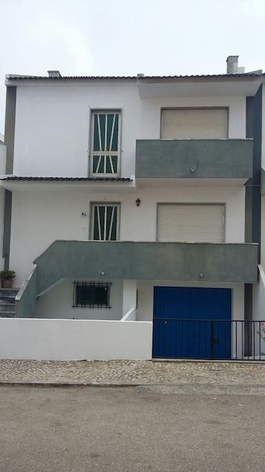 Peniche holidays guest house townhouses in affitto a for Piani di casa con guest house annessa