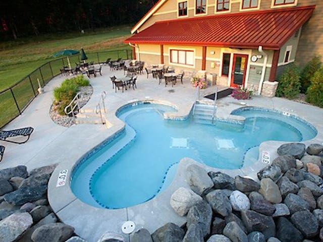 1-bedroom at Christmas Mountain Village Resort - Wisconsin Dells - Apartment