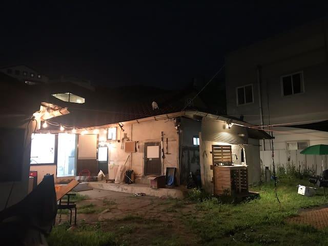 [OPEN SALE] 능평리블루스/농가주택 프라이빗 바베큐