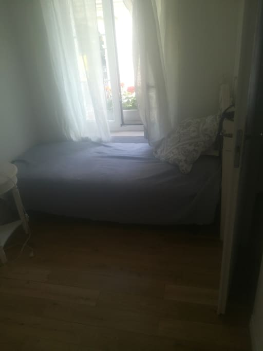 1 bed single