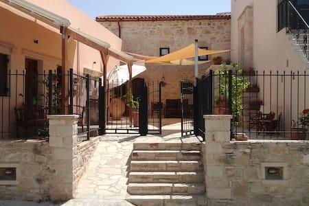 Mikon Studio 2 Sivas Crete Greece - Sivas