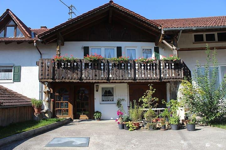 Zwei-Zimmer-Appartement in Stetten im Unterallgäu