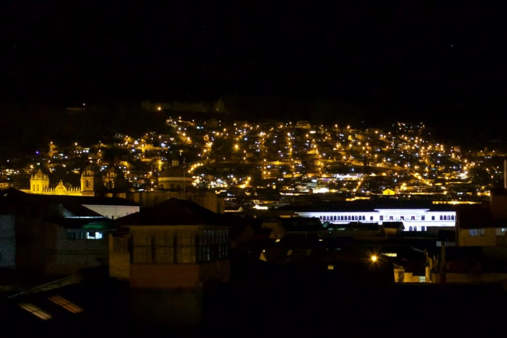 Vista Panorámica de Cusco  de noche