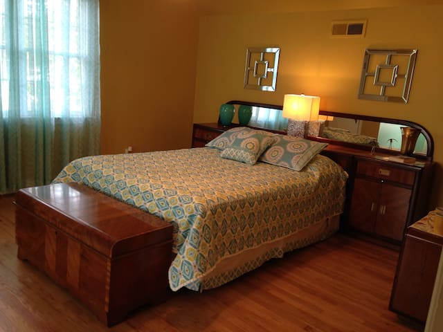 Private mini suite in Beaufort!
