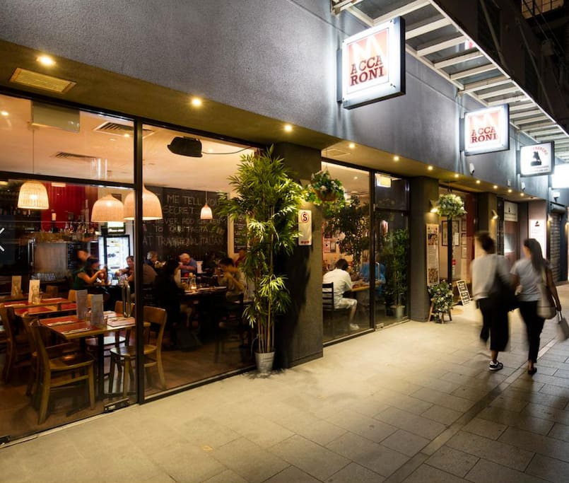"""""""Access to the city was amazingly simple and it's location is very central to many great bars, cafes and restaurants. Can't go wrong here!"""" - Nick March 2017"""