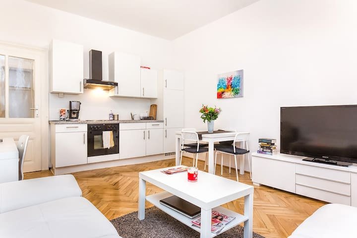 Charming apartment in Vienna's Heart 2