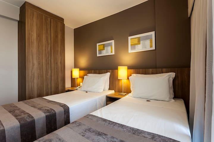 Suite Flat RioStay Riocentro 02 camas solteiro