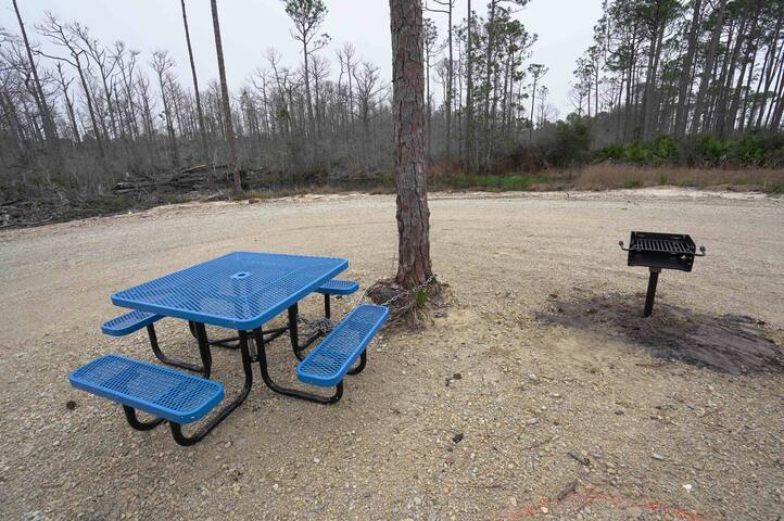 RV Lot Easy Access Bay Views WIFI and Pet Friendly