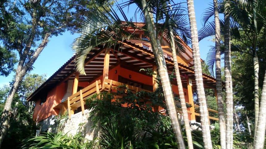 Surf house  - Praia Rosa Norte - Casa do Ivan