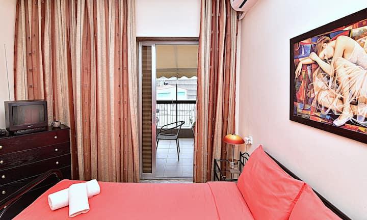 Apartment 70sqm with view-city center(Kamara)-WiFi