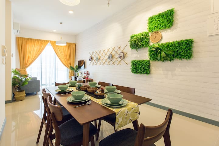 3IN1  Home/City Center//Mid Valley/Train access/