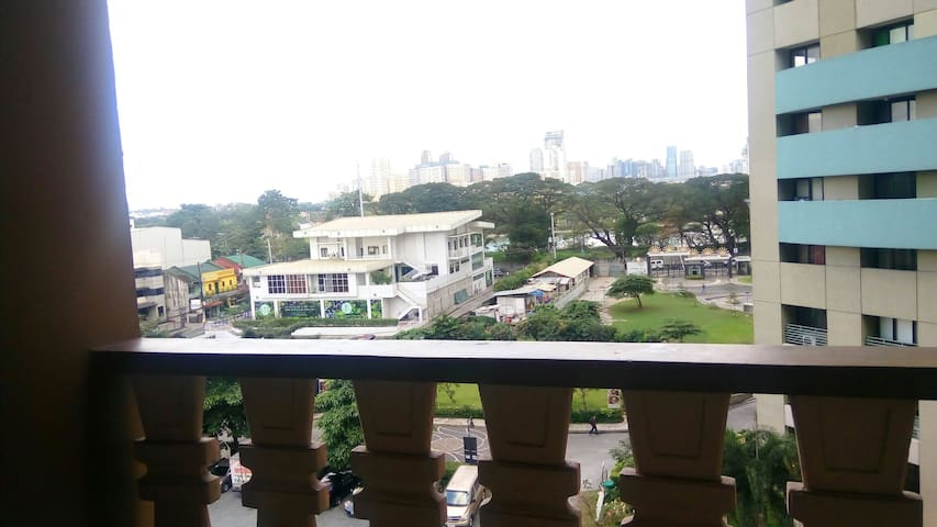 Classy Condo Unit bes Robinsons Mag - Quezon City - Apartment