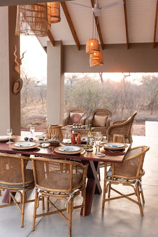Rooibos Bush Lodge - Self catering fine dining